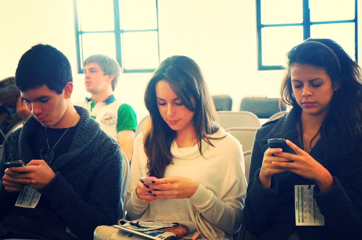 People locked in to their smartphones