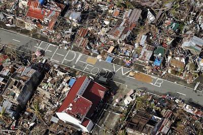 typhoon-haiyan-SOS-400